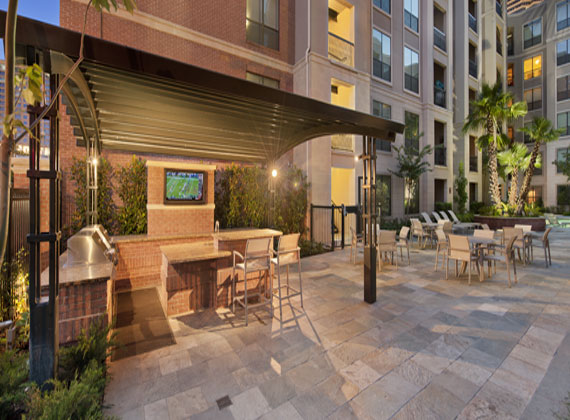 lease a luxury mid-rise apartment in Houston Montrose through tenify